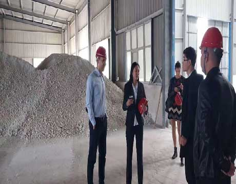 Ukrainian Customers Visiting Rongsheng Factory